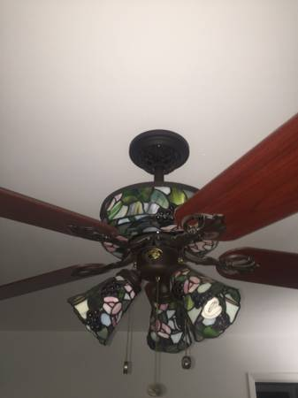The Bay City News 52 Hampton Bay Stained Glass Ceiling Fan Bay City Household Items By Owner Show Ad The Bay City News